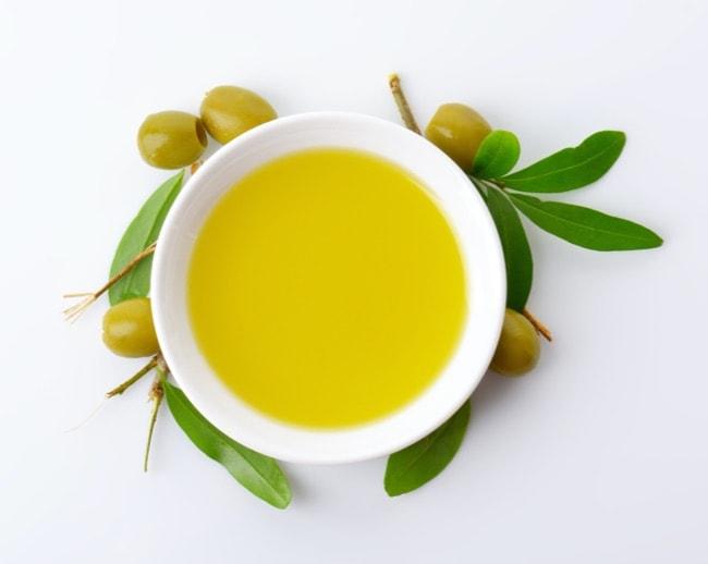 Die gesundheitsfördernde Wirkung von Olivenöl besteht aufgrund des hohen Polyphenol-Gehalts der Oliven
